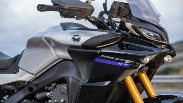 2021-Yamaha-MT09TRGT-EU-Detail-010-03_Mobile.jpg